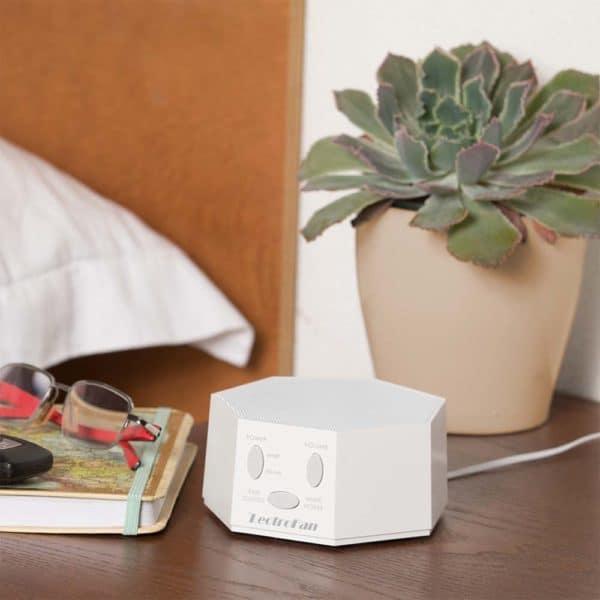 LF-white-desk-1000px